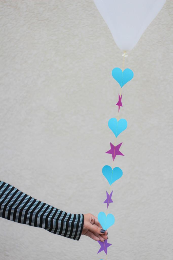 DIY-Balloon-Garland-11