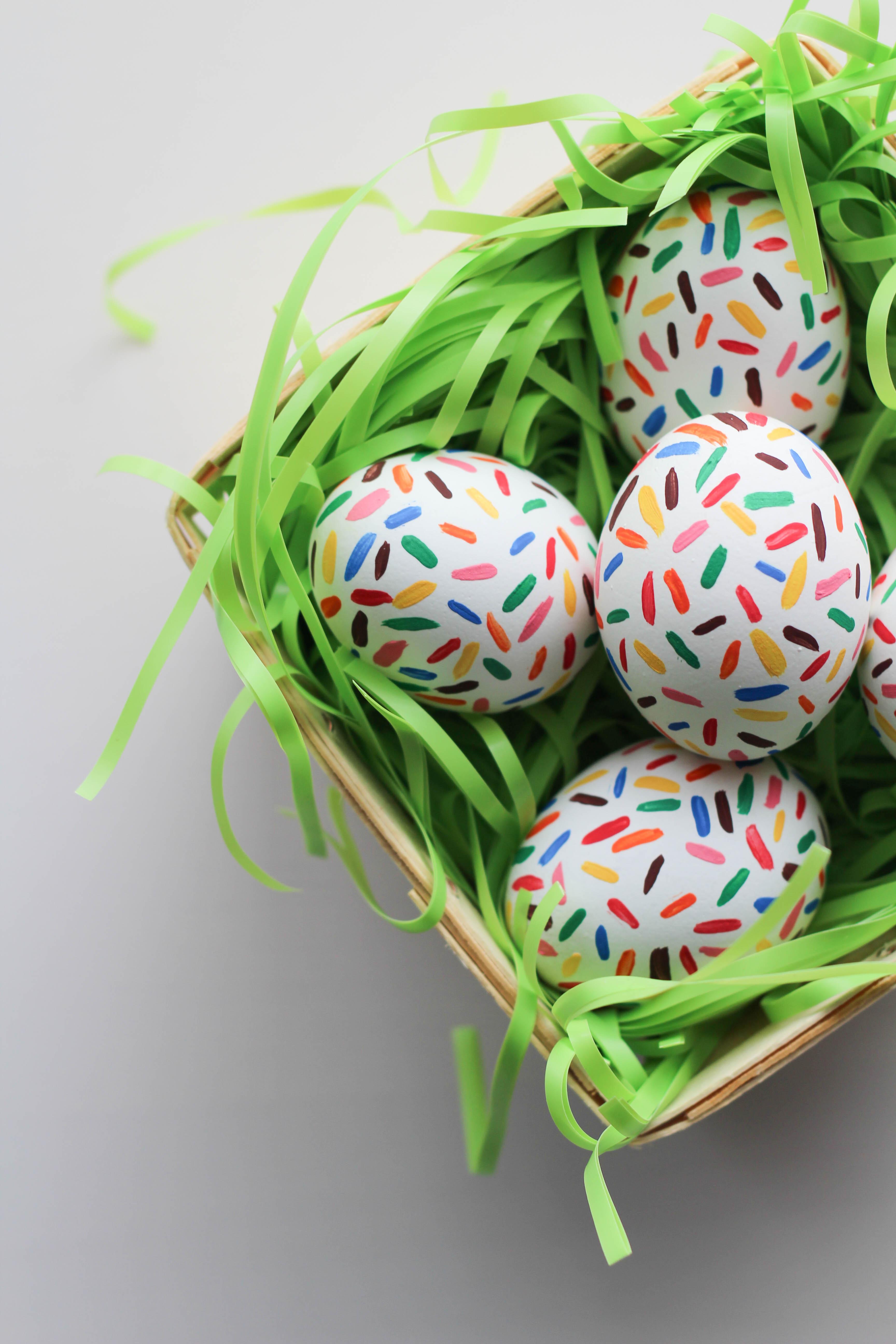 Diy Sprinkle Easter Eggs Let S Mingle Blog