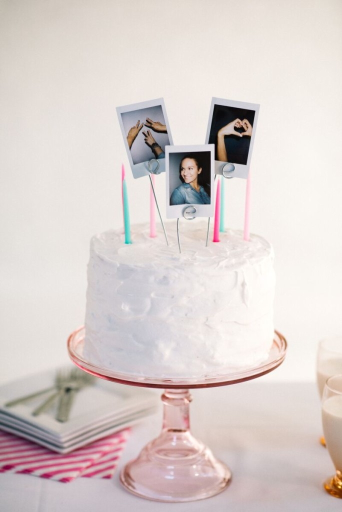 easy diy wedding cake toppers diy polaroid cake topper let s mingle 13810