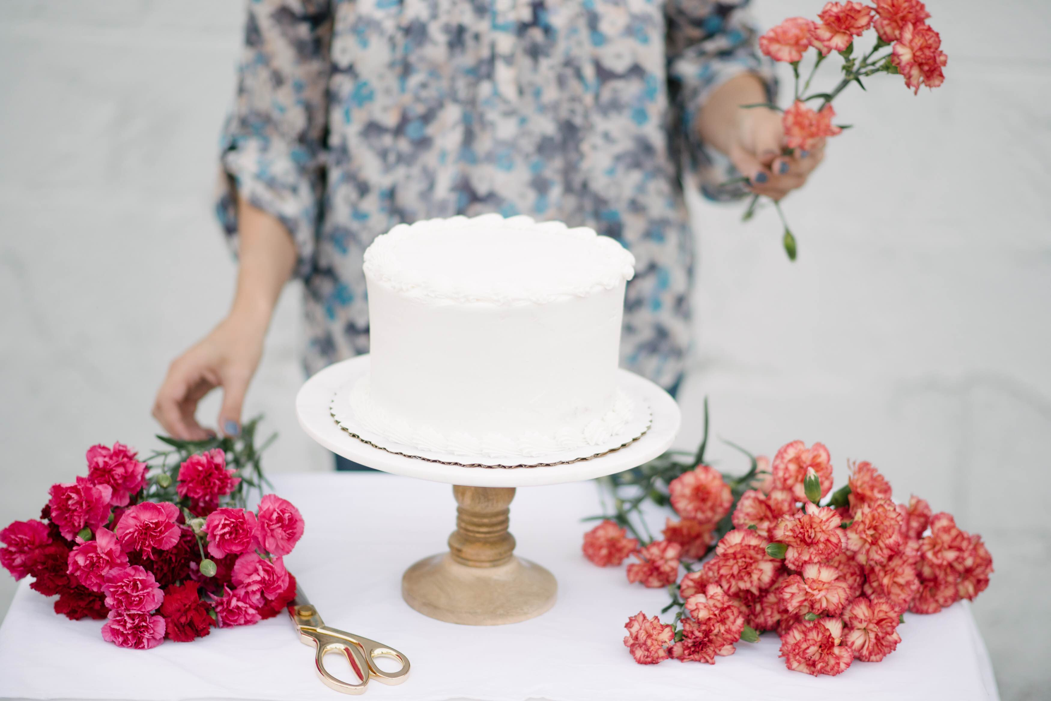 Diy Fresh Floral Cake Topper Let S Mingle Blog
