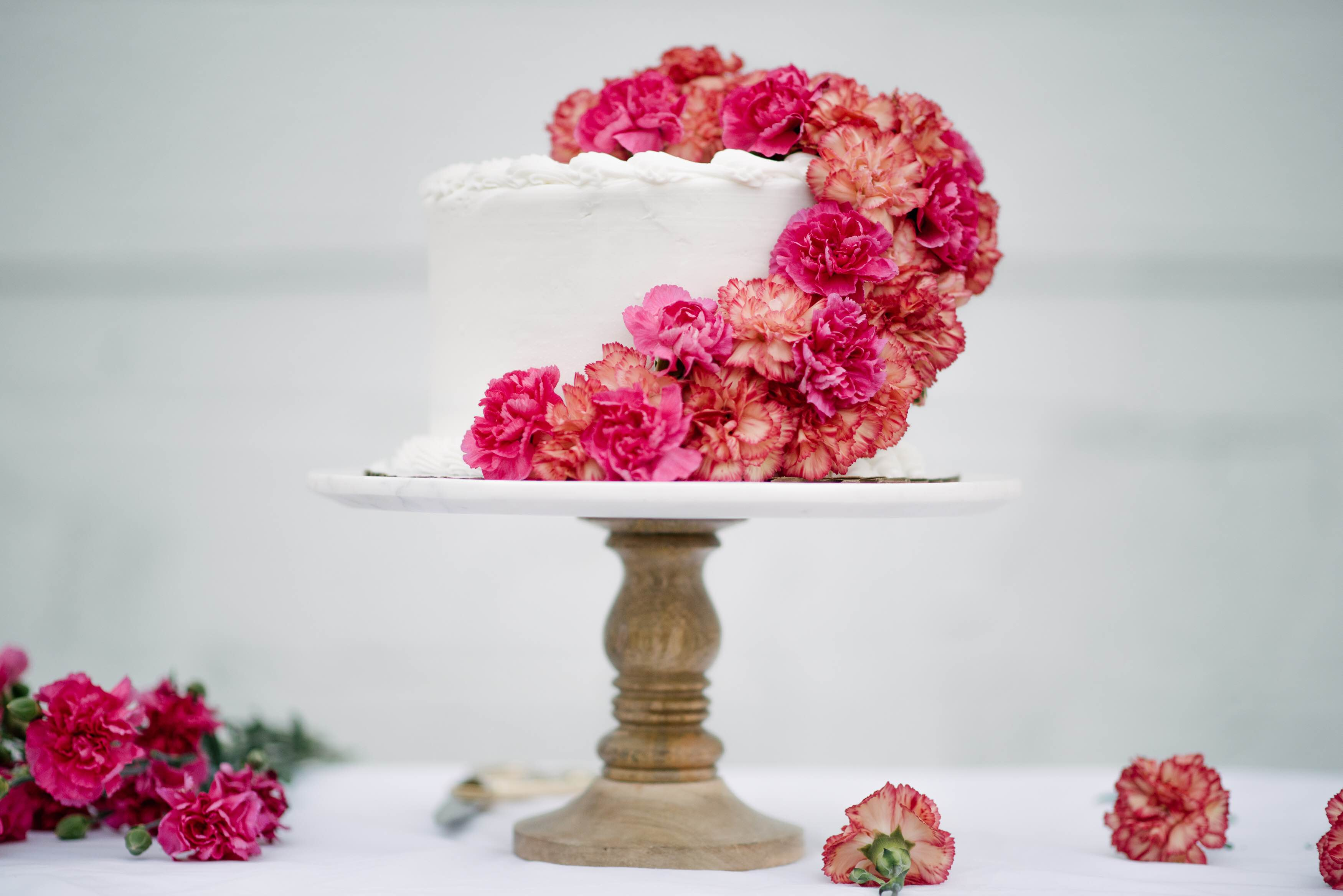 DIY Fresh Floral Cake Topper - Let\'s Mingle Blog
