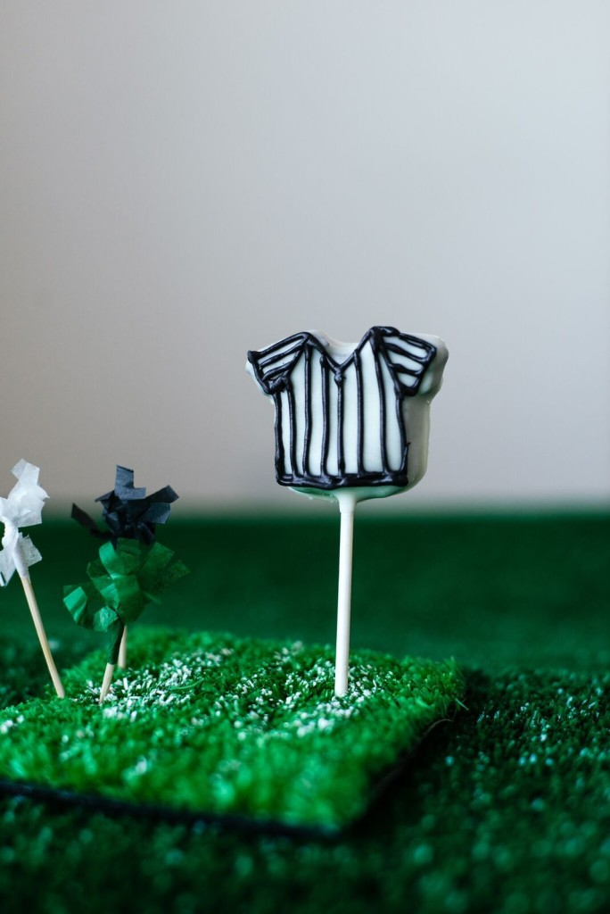 OREO Cookie Ball Referee Pops