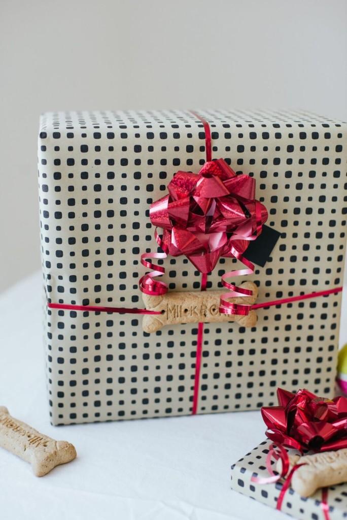 Dog Bone Gift Wrapping
