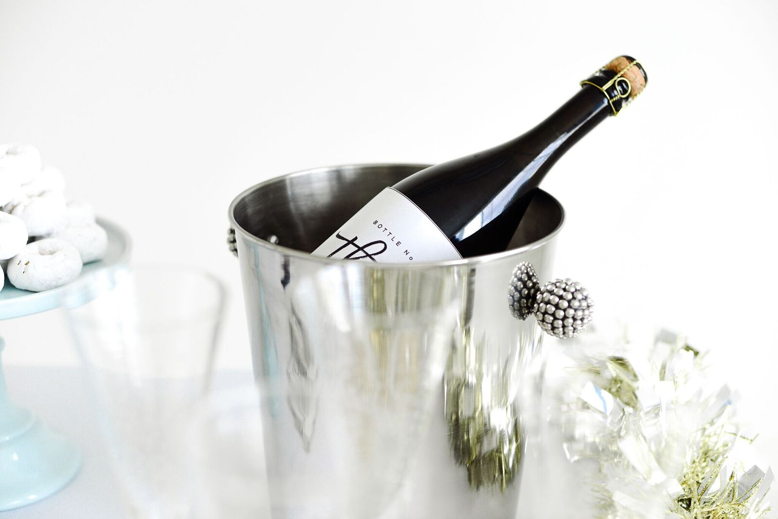 Champagne Tasting Party - Let\'s Mingle Blog