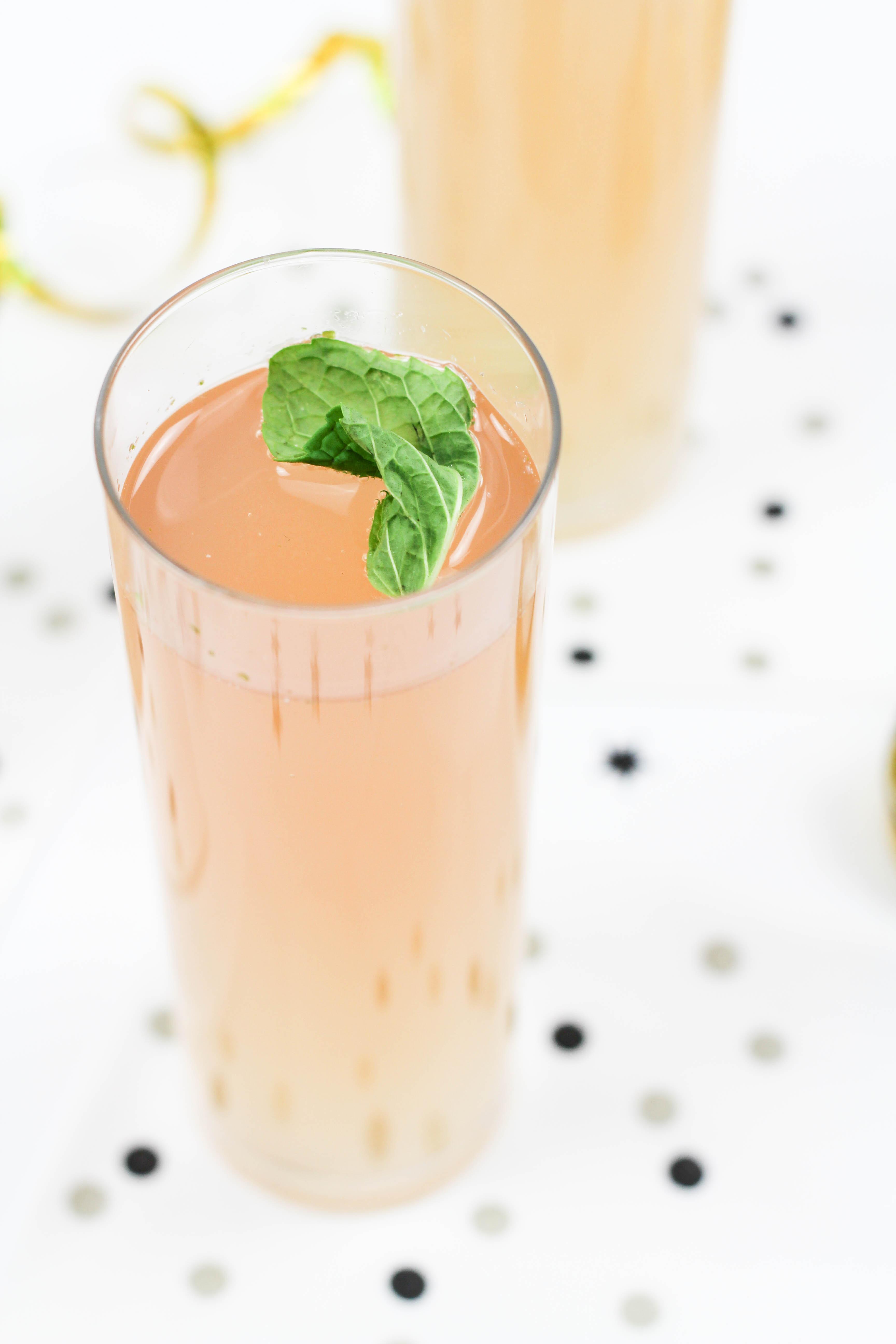 champagne mojito cocktail recipe let 39 s mingle blog. Black Bedroom Furniture Sets. Home Design Ideas