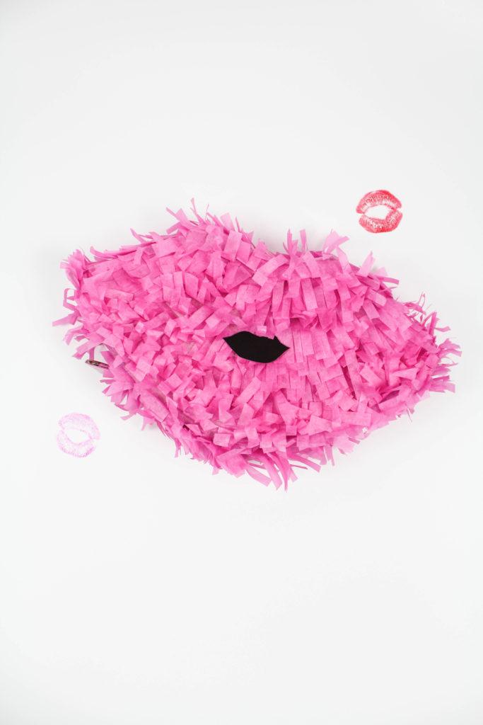 Valentine Lip Pinatas