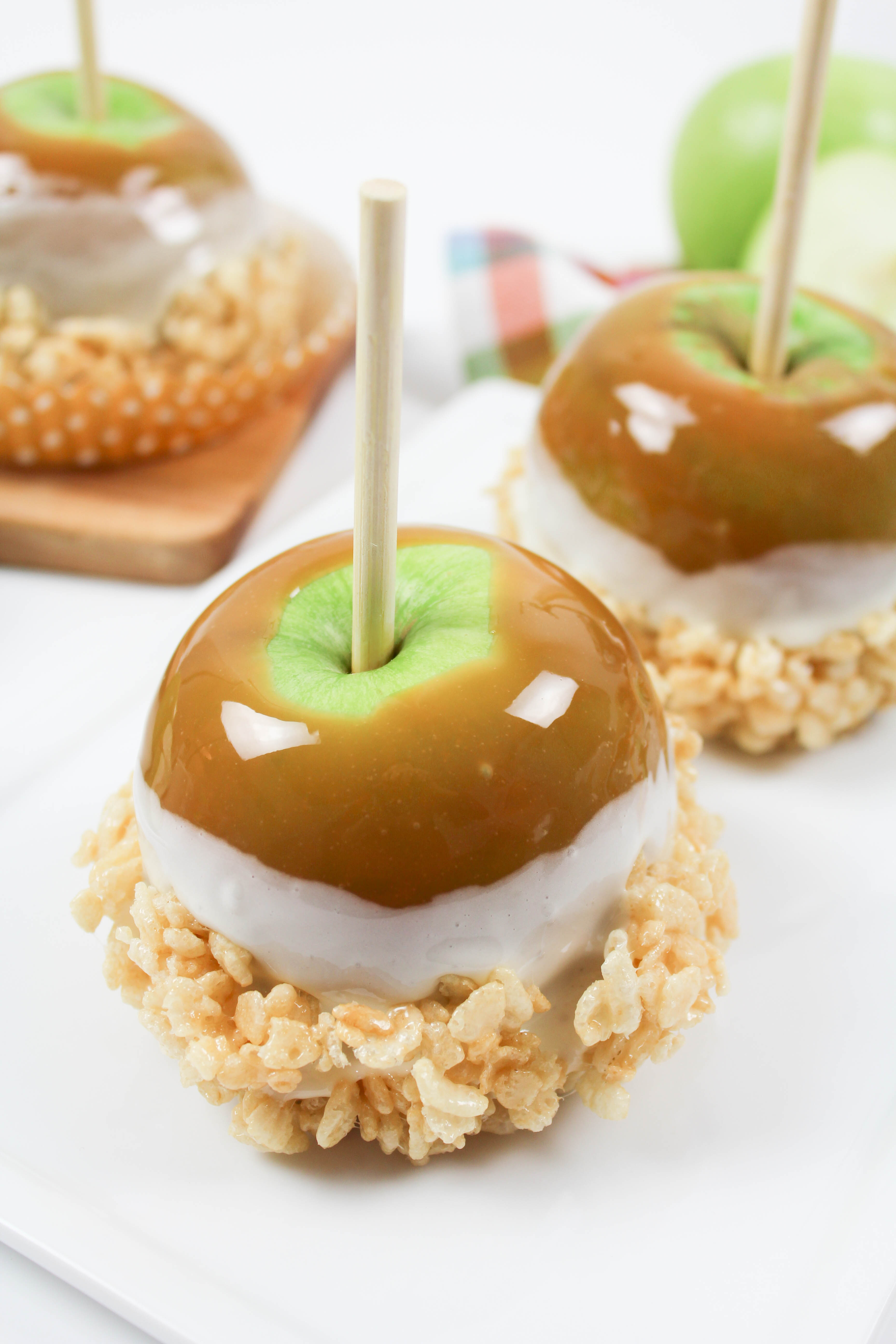 Marshmallow Cereal Treat Caramel Apples - Let's Mingle Blog